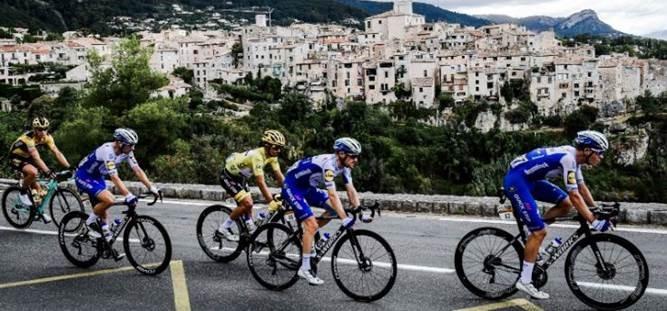 Калеб Юэн- победитель 3 этапа Тур де Франс-2020