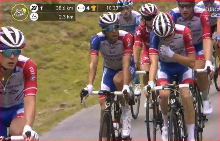 Тибо Пино потерял шанс на борьбу за жёлтую майку во время 8 этапа Тур де Франс-2020