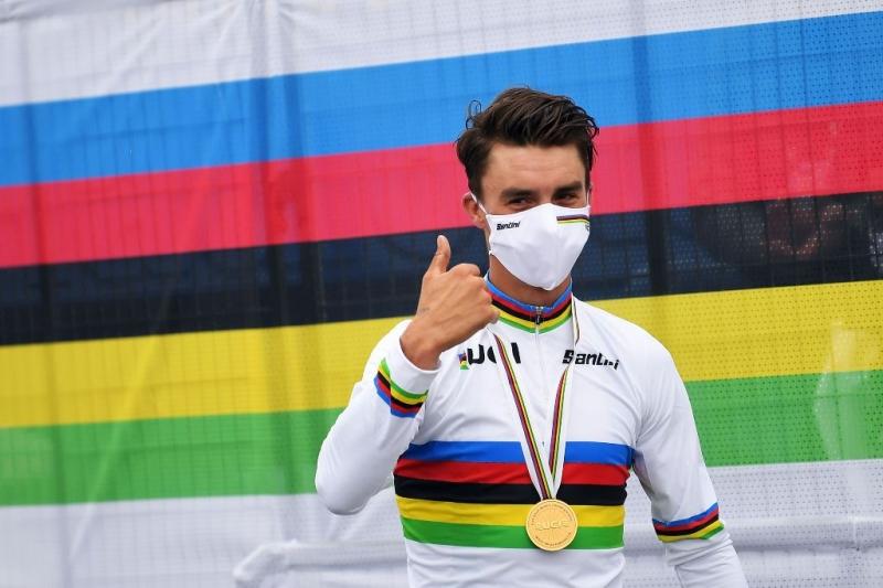 Сольная атака за 12 км до финиша принесла Жулиану Алафилиппу радужную майку чемпиона мира-2020