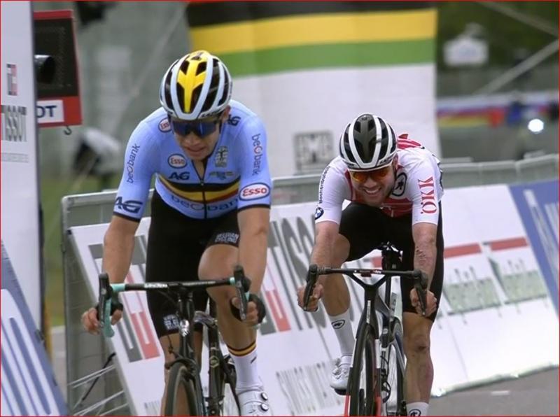 Ваут ван Арт и Марк Хирши – призёры в групповой гонке чемпионата мира по велоспорту-2020