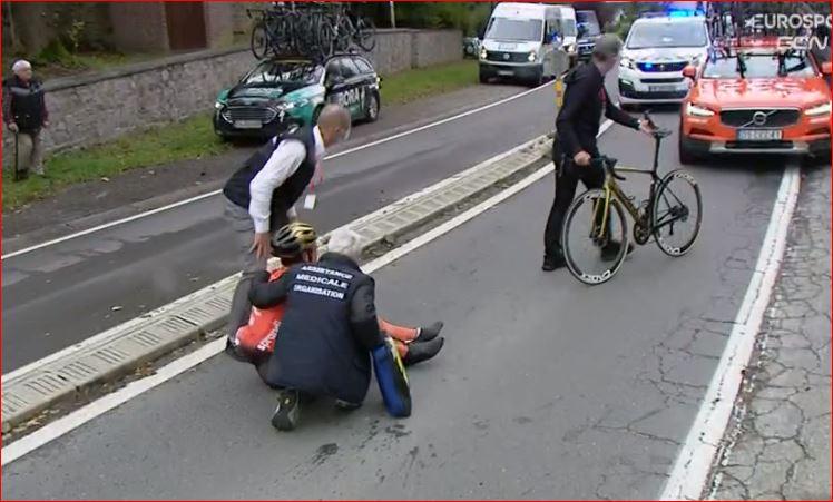 Серьёзные травмы Грега Ван Авермата после падения на Льеж-Бастонь-Льеж-2020