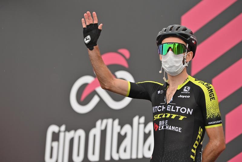 Саймон Йейтс снялся с Джиро д'Италия-2020 после положительного теста на Covid-19