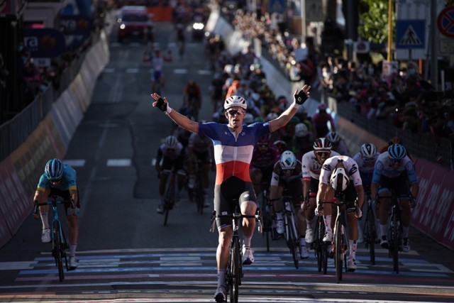 Дубль Арно Демара на Джиро д'Италия-2020