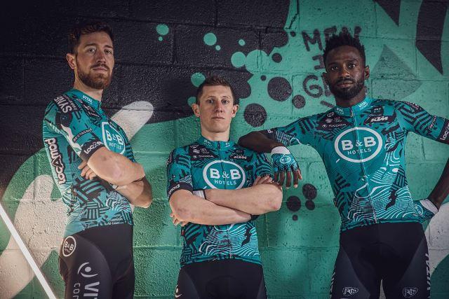 Велоформа команды B&B HOTELS p/b KTM на 2021 год