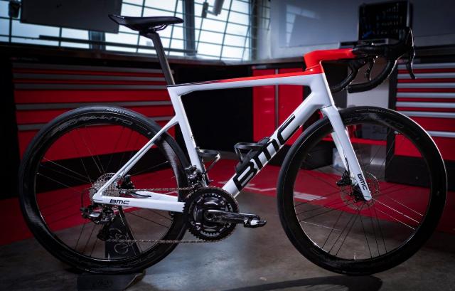 Новый велосипед команды AG2R Citroen