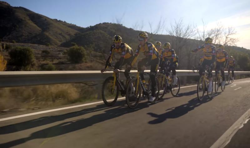 Велокоманда Jumbo-Visma объявила составы на Джиро д'Италия и Тур де Франс-2021