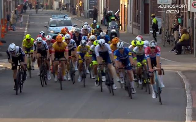 Компания Canyon разбирается в причинах поломки руля велосипеда Матье ван дер Пула
