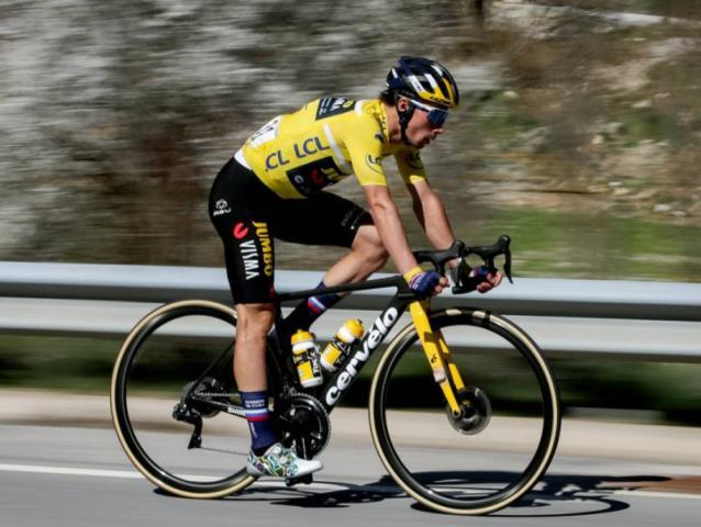 Хет-трик Приможа Роглича на велогонке Париж-Ницца-2021