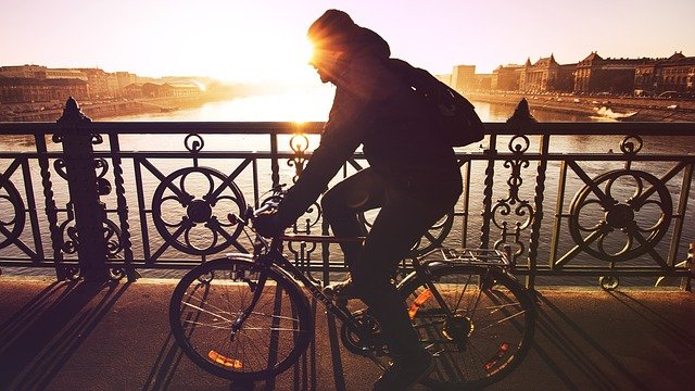 Где найти спортивного массажиста велосипедисту — советы по выбору специалиста