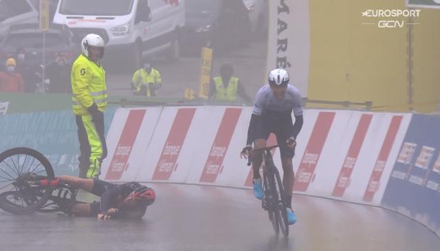 Герант Томас винит себя за падение на 4-м этапе Тура Романдии-2021