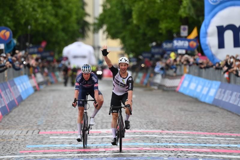 Виктор Кампенартс – победитель 15 этапа Джиро д'Италия-2021