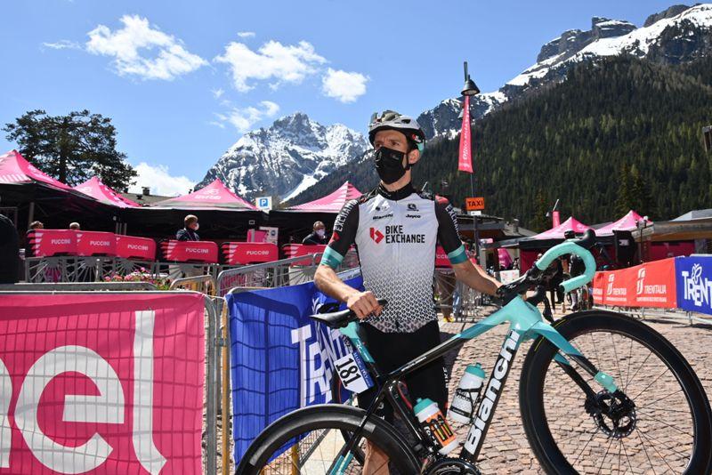 Саймон Йейтс поднялся на третье место в общем зачёте после 17-го этапа Джиро д'Италия-2021