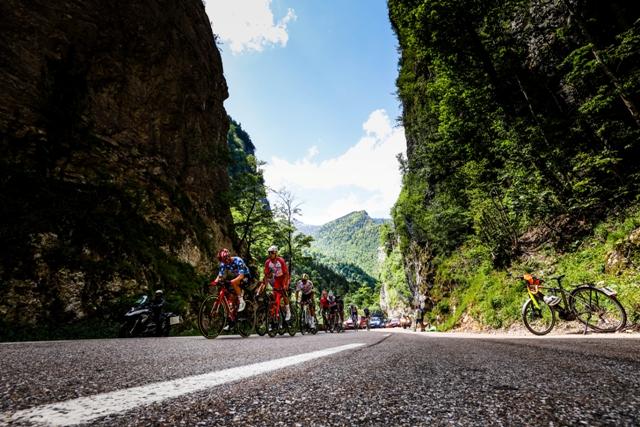 Алехандро Вальверде - победитель 6 этапа Критериума Дофине-2021