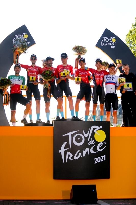 Bahrain-Victorious - победитель командной классификации Тур де Франс-2021