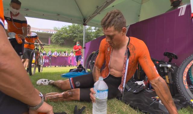 Матье ван дер Пул сошёл с соревнований по маунтинбайку после падения